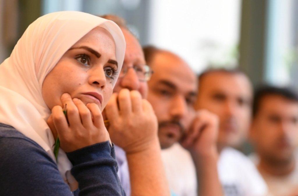 Ohne Sprachkenntnisse keine Integration: Die Agentur für Arbeit bezahlt 10.000 Flüchtlingen im Südwesten einen Deutschkurs. (Archivfoto) Foto: dpa