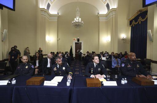 Polizisten schildern im Untersuchungsausschuss Brutalität