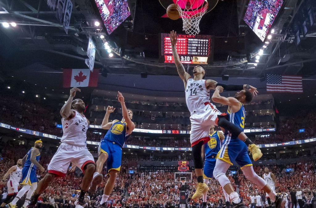 Drama in den NBA-Finals zwischen den Toronto Raptors und den Golden State Warriors Foto: AP