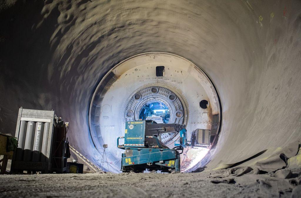 Die Stuttgart-21-Baustelle ist nicht länger corona-frei. Sechs türkische Eisenbieger, die im Tunnelbau beschäftigt waren,  haben sich infiziert. Die Folgen sind noch nicht absehbar. Foto: dpa/Tom Weller