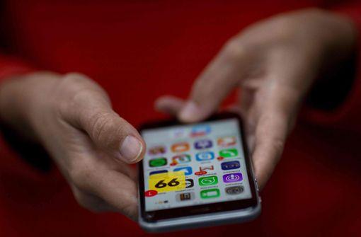 Jeder Vierte bezeichnet sich als Smartphone-süchtig