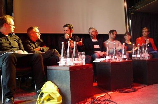 Bei der Podiumsdiskussion am Freitagabend tauschen sich Politiker mit Clubbetreibern aus. Foto: Nina Ayerle
