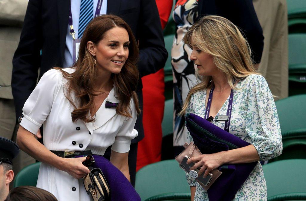 Herzogin Kate präsentierte sich beim Tennisturnier in Wimbledon im weißen Kleid, während Meghan ... Foto: dpa