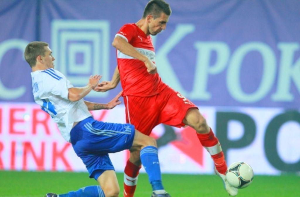 Mit links ins Glück: Vedad Ibisevic trifft zum 1:1 gegen Dynamo Moskau. Foto: dpa