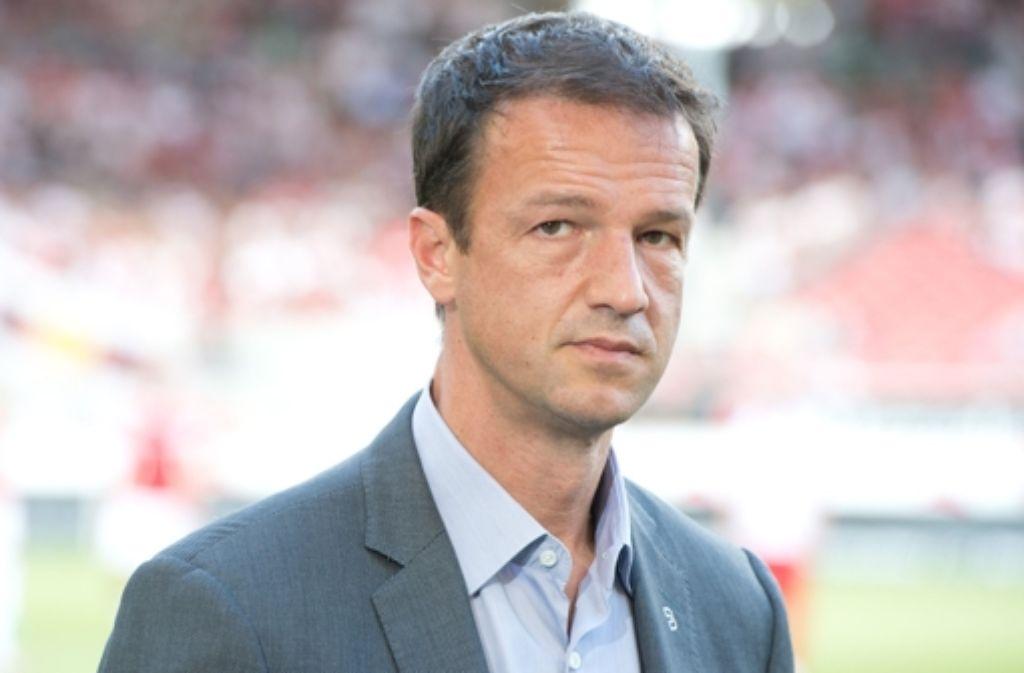 Fredi Bobic wurde mit sofortiger Wirkung seines Amtes als VfB-Sportdirektor enthoben. In der Bilderstrecke zeigen wir Bobics Karriere. Foto: dpa