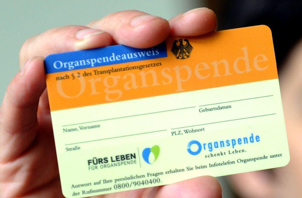 So sieht der deutsche Organspenderausweis aus. Foto: dpa