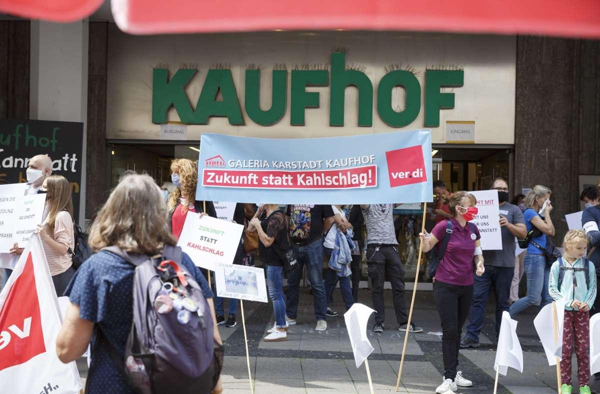 Am Samstag kam es vor dem Kaufhof zu der Demonstration. Foto: Lichtgut/Julian Rettig