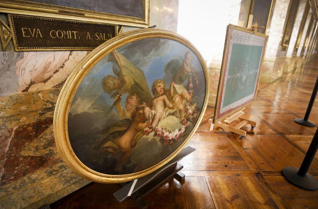 Jahrzentelang nicht zu sehen: Dieses Ölgemälde von N. Gubal, entstanden um 1780, hing im Vorzimmer von Königin Katharina im Neuen Schloss. Seit Kriegsende lagerte es im Depot. Foto: factum/Granville