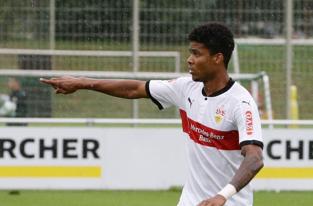 Ailton vom VfB Stuttgart muss sich noch an den Vereinsnamen gewöhnen. Foto: Pressefoto Baumann