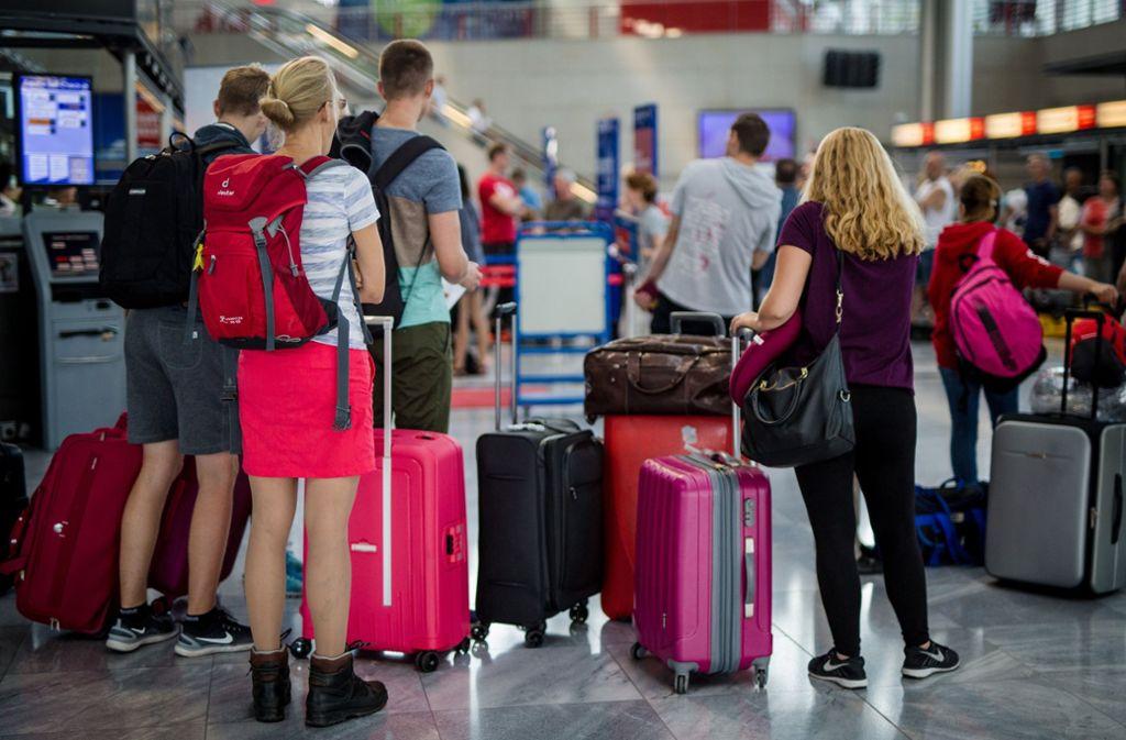 In den Osterferien dränen Hunderttausende Passagiere gleichzeitig an die Gates (Symbolbild). Foto: dpa