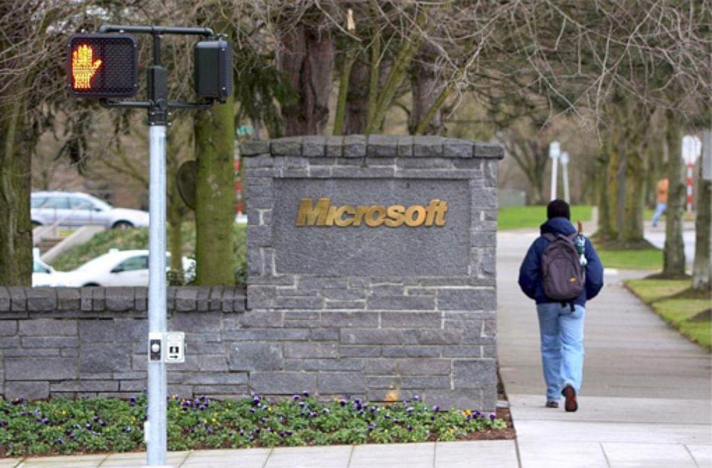 Microsoft wird etwa 18.000 Stellen streichen. Damit befindet sich der Windows-Konzern in großen Schwierigkeiten. Foto: dpa