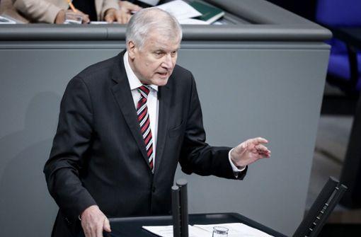 """Seehofer plädiert für """"Null-Toleranz-Strategie"""""""