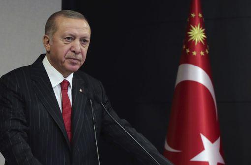 Erdogan steht mit dem Rücken zur Wand