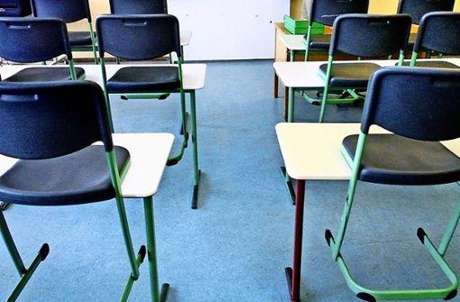 PCB:  Schüler müssen in Container ziehen