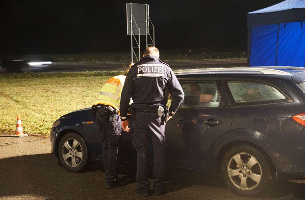 Die Polizei führte am Dienstagabend im Kreis Göppingen Kontrollen durch. Foto: SDMG