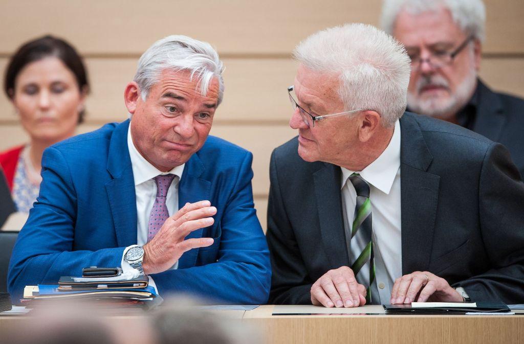 Zwei, die beim Regieren persönlich gut miteinander  auskommen: Ministerpräsident Winfried Kretschmann (re.) und sein Stellvertreter, der Innenminister Thomas Strobl Foto: dpa