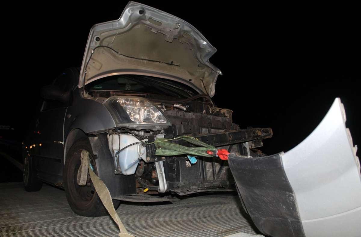 Beide Fahrzeuge waren nicht mehr fahrbereit und mussten abgeschleppt werden. Foto: