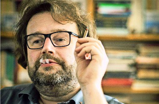 Wirbt für mehr Neugierde: Der Verleger Jörg Sundermeier. Foto: Karsten Thielker