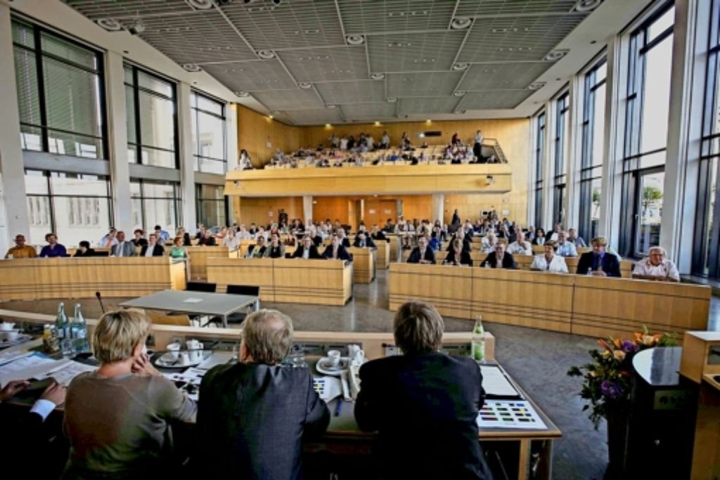 Der Stuttgarter Gemeinderat will für sein kommunalpolitisches Engagement  künftig höher entschädigt werden. Foto: Michael Steinert, StZ, AFP