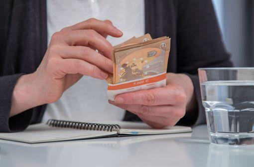 Firma überweist 30 000 Euro zu viel Gehalt