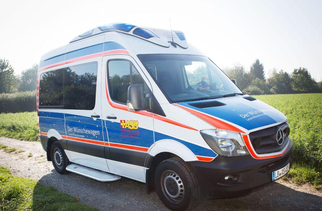 Sogar ein Teddy fährt mit:  Das ist kein  normaler Krankentransporter. Foto: ASB