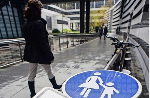 Verkehrsminister Hermann setzt verstärkt auf den Fußverkehr