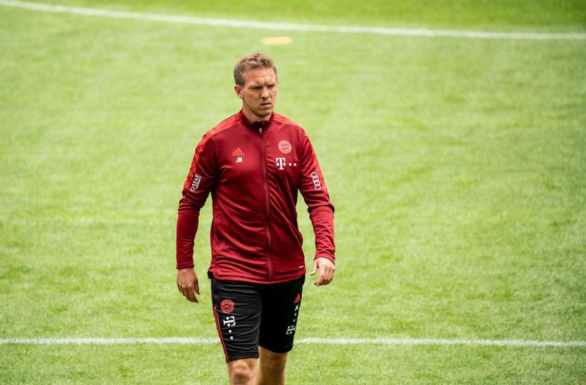 Trainer Julian Nagelsmann muss noch etwas länger auf das erste Pflichtspiel bei seinem neuen Club warten. Foto: dpa/Matthias Balk