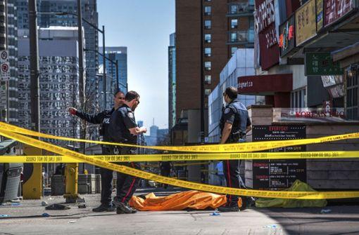 Zehn Tote bei mutmaßlicher Lieferwagen-Attacke