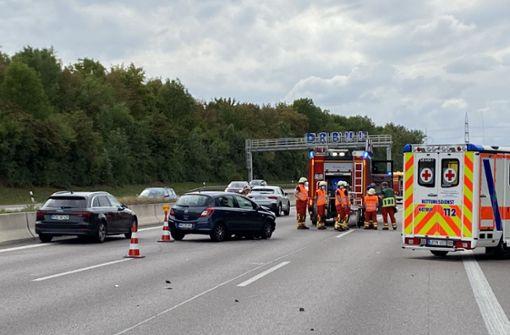 Zwei Autos überschlagen sich – Autobahn teilweise gesperrt
