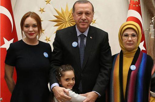 Aleppo-Bloggerin Bana trifft Erdogan und Lohan