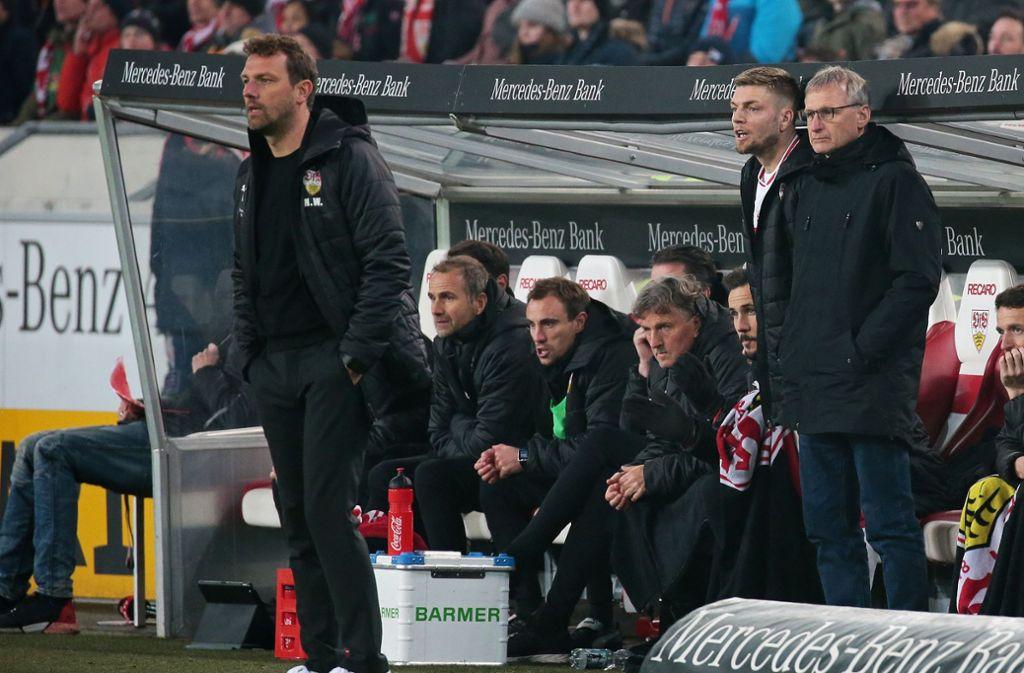 VfB-Trainer Markus Weinzierl steht vor dem Spiel in Düsseldorf mächtig unter Druck. Foto: Pressefoto Baumann