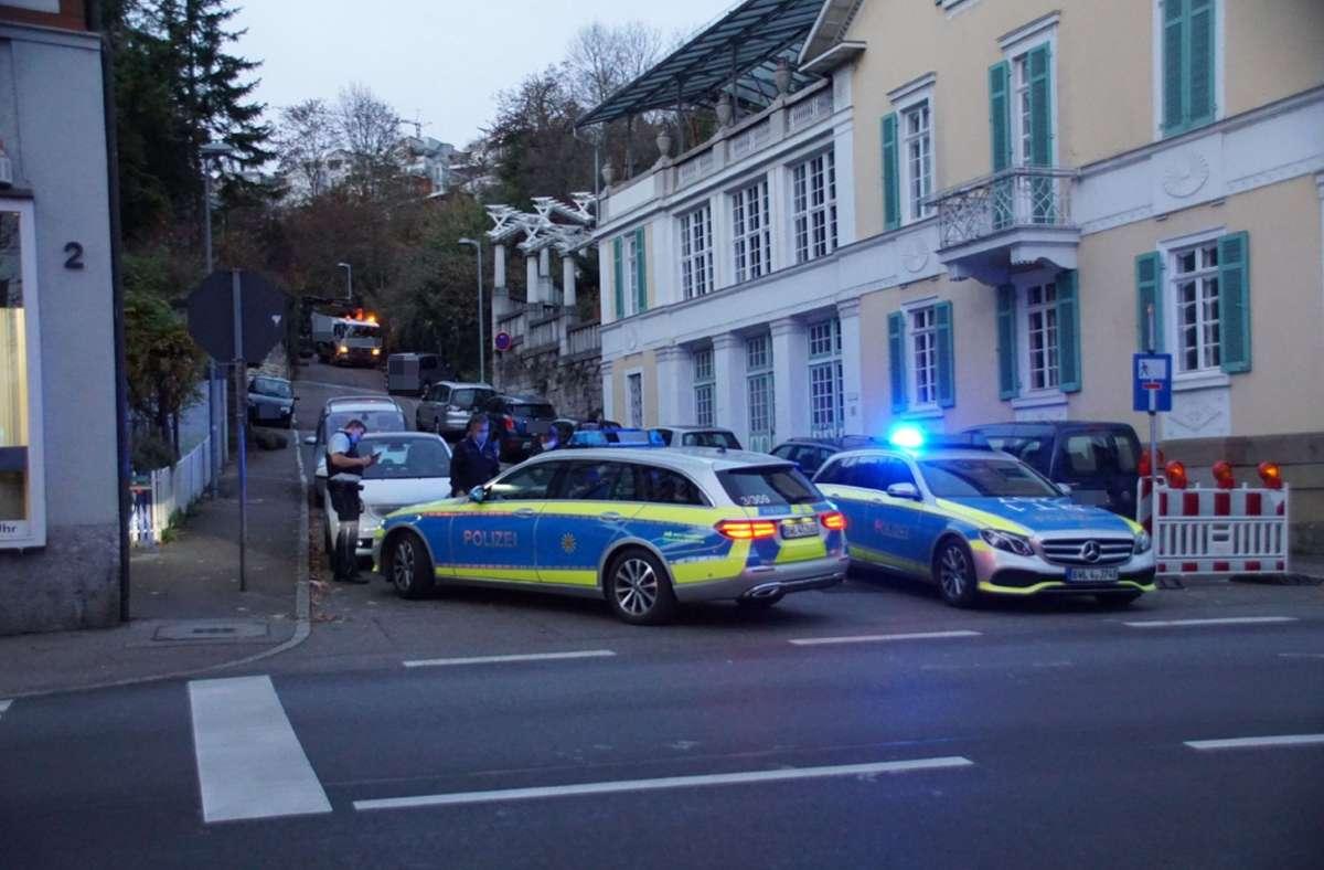 Eine Frau wurde in Esslingen von einem Lkw erfasst und eingeklemmt. Foto: SDMG/Boehmler