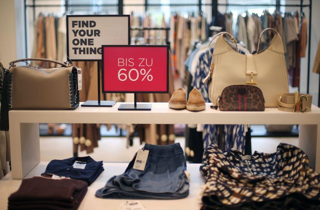Luxus-Marken für wenig Geld – das Konzept von Saks Off 5th. Foto: dpa
