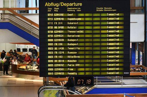 Betrieb an Flughäfen nach Streik wieder aufgenommen