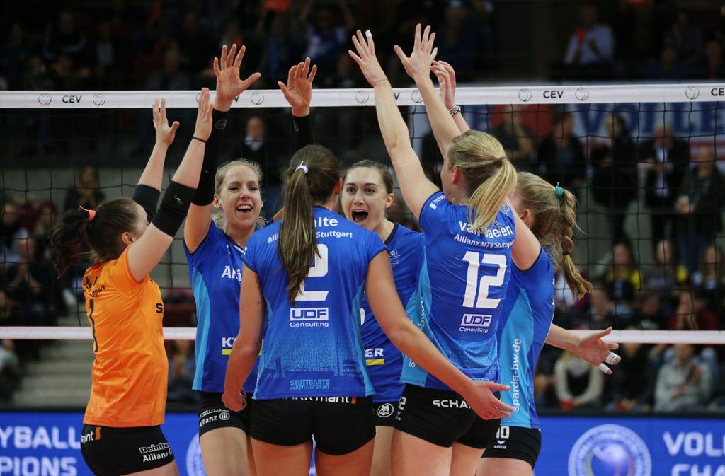 Start in die neue Saison: die Stuttgarter Volleyballerinnen fühlen sich gerüstet. Foto: Baumann