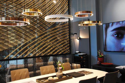 Der neu eröffnete architare Store im Dorotheen Quartier: Die Leuchten von Occhio gehen mit Möbeln von Walter Knoll die perfekte Symbiose ein. Die Highend-Marken verbinden überragende Qualität mit zeitlosem Design.
