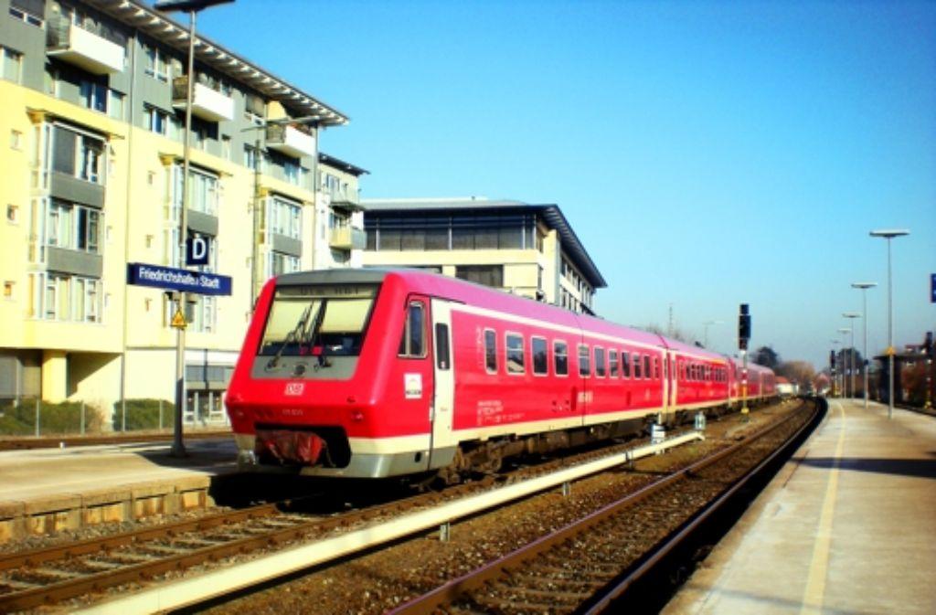 Südbahn-Endstation Friedrichshafen: Warten bis in alle Ewigkeit? Foto: Frank Kosarik