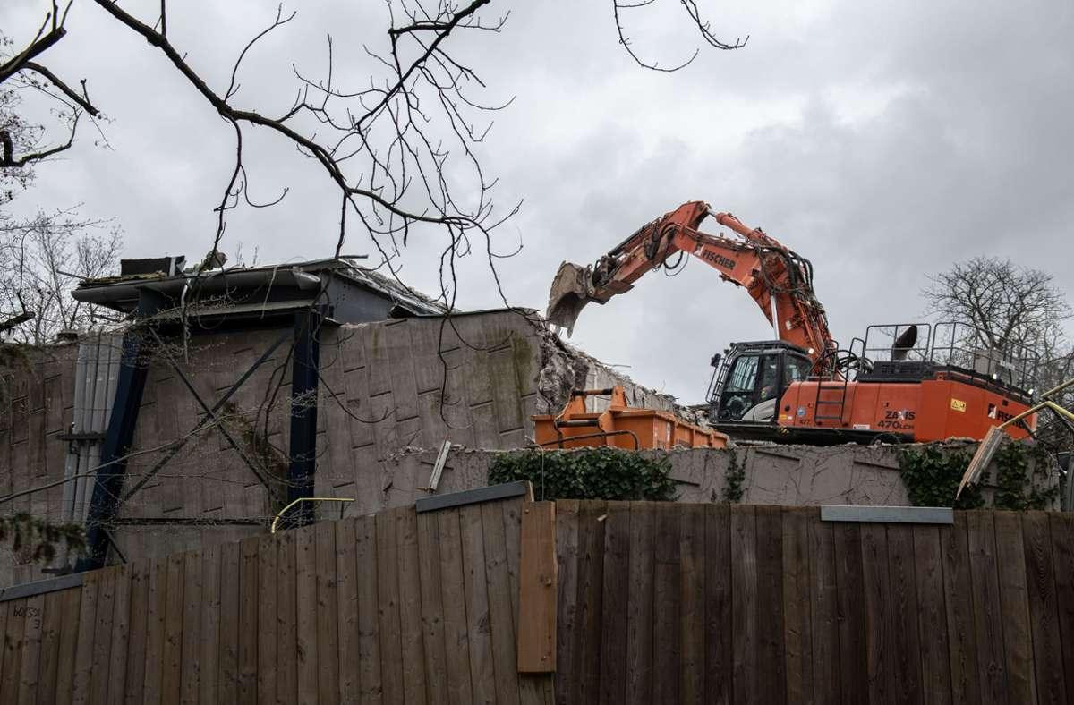 Der Abriss der Fernsehstudios hat mit Verspätung begonnen. Foto: Lg/Leif Piechowski/SWR/dpa