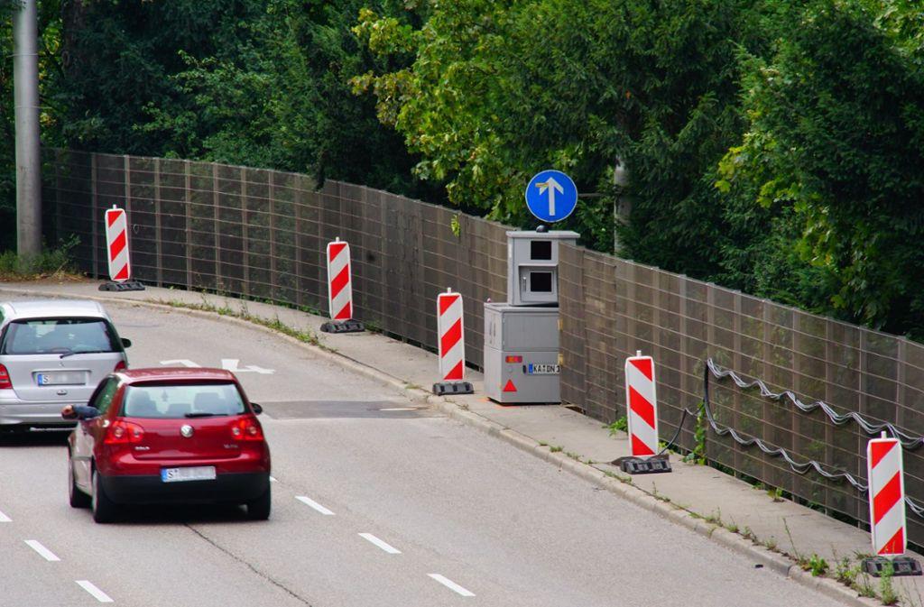 Der Bundesrat hat Blitzer-Apps verboten. Foto: Andreas Rosar Fotoagentur-Stuttg