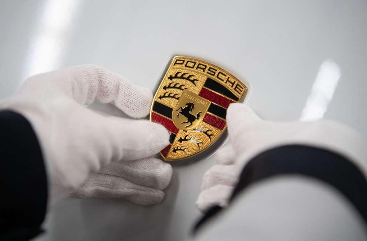 Porsche büßt kräftig an Gewinn ein und auch die langfristigen Renditeziele rücken in weite Ferne. Foto: dpa/Marijan Murat