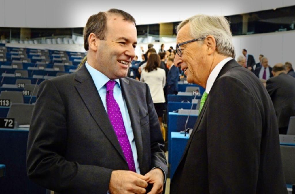 Will EVP-Fraktionschef  Weber (links) dem Kommissionsvorsitzenden und ehemaligen luxemburgischen Premier Jean-Claude Juncker einen U-Ausschuss ersparen? Foto: dpa