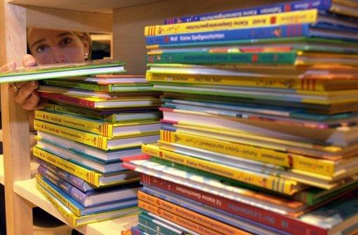Bei den Stuttgarter Buchwochen im Haus der Wirtschaft werden rund 25.000 Bücher präsentiert, auch für Kinder und Jugendliche. Foto: dpa