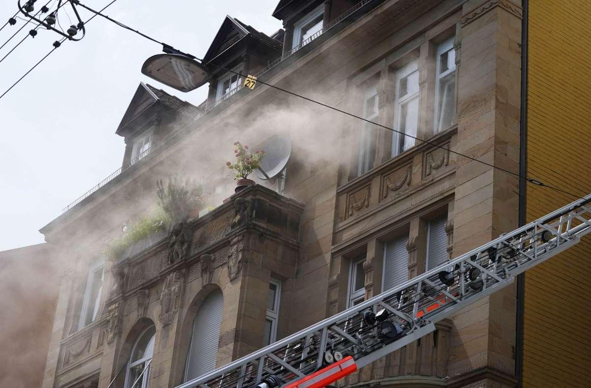In einer Wohnung in Stuttgart-West ist am Mittwochnachmittag ein Brand ausgebrochen. Foto: Andreas Rosar/Fotoagentur-Stuttgart