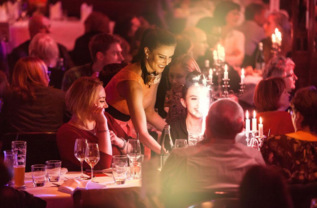 Am Donnerstag. 15. November, wird die 15. Stuttgarter Spielzeit des Dinner-Spektakels Palazzo  auf dem Cannstatter Wasen eröffnet. Foto: StN