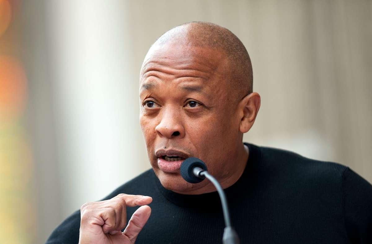 Der US-Rapper Dr. Dre wurde in ein Krankenhaus eingeliefert. (Archivbild) Foto: AFP/VALERIE MACON