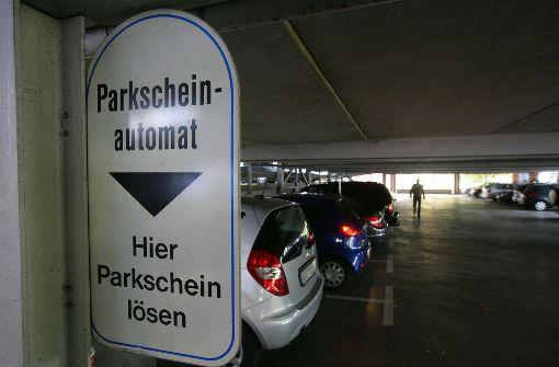 Mann löst Parkticket und bekommt 200 Euro Wechselgeld
