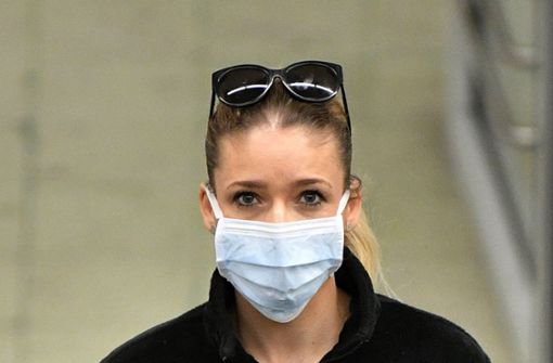 Land erlaubt auch  die billigeren OP-Masken