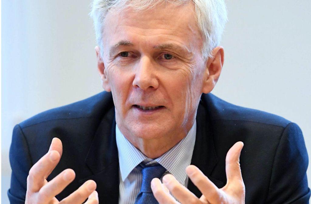 Für den Landesbischof Jochen Cornelius-Bundschuh ist die Entscheidung des Weltkirchenrats ein schöner Erfolg. Foto: dpa