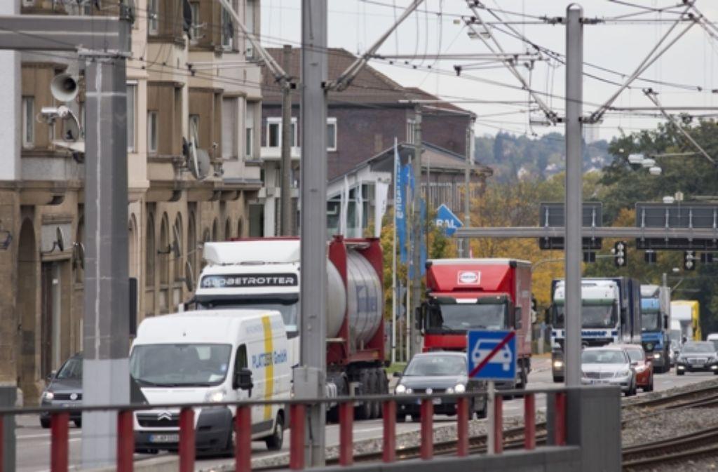 Der Rosensteintunnel soll die Pragstraße täglich von 20000 Fahrzeugen entlasten. Foto: Michael Steinert