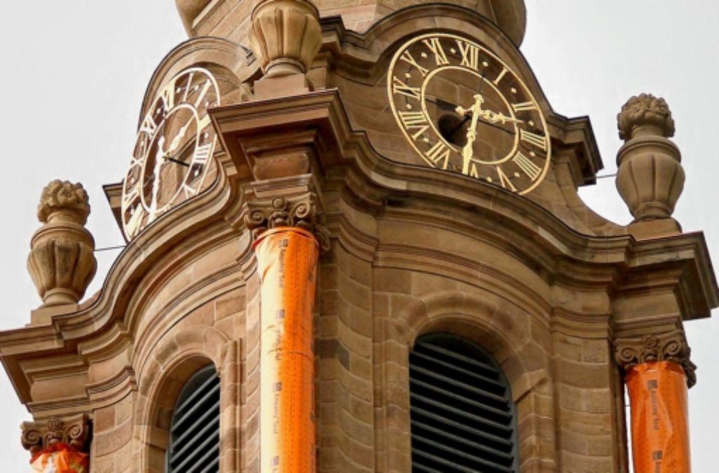 Noch sind die Säulen der Friedenskiche eingepackt. Foto: factum/Granville